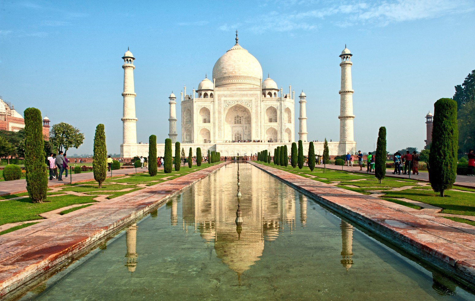 essay on taj mahal in sanskrit